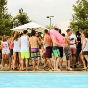 13 ans - Sunday Pool Party !